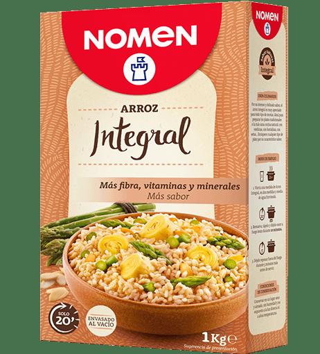 Tomate relleno de arroz integral con atún, zanahoria y olivas