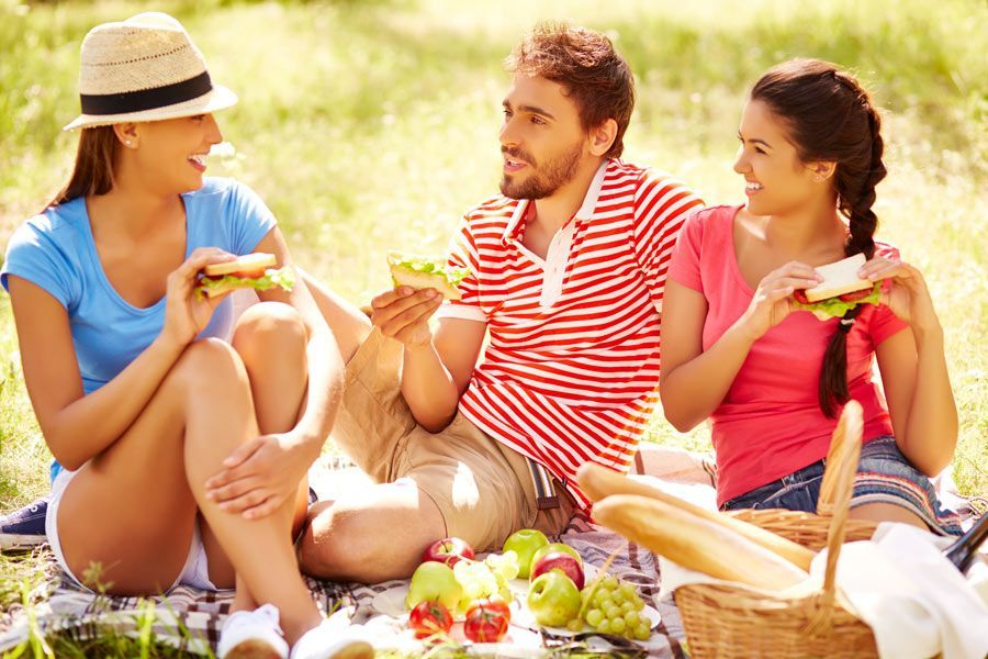 5 ideas de tupper saludables para comer al aire libre