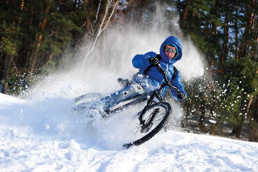 Practicar deporte al aire libre en invierno