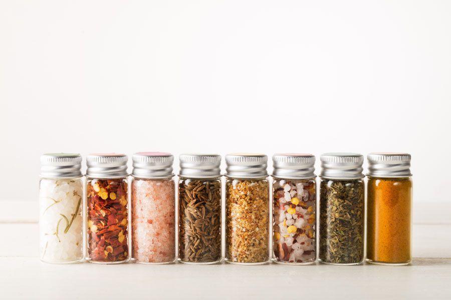 Espècies i condiments en la cuina