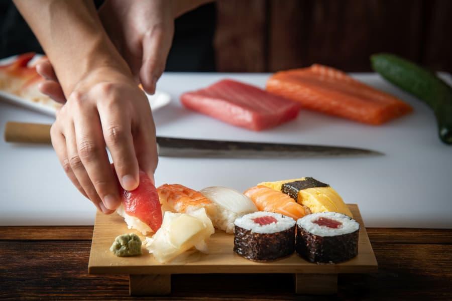 Cómo cocer arroz para sushi y makis