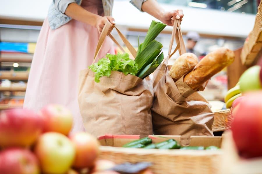 6 consejos para una lista de la compra más saludable y sostenible